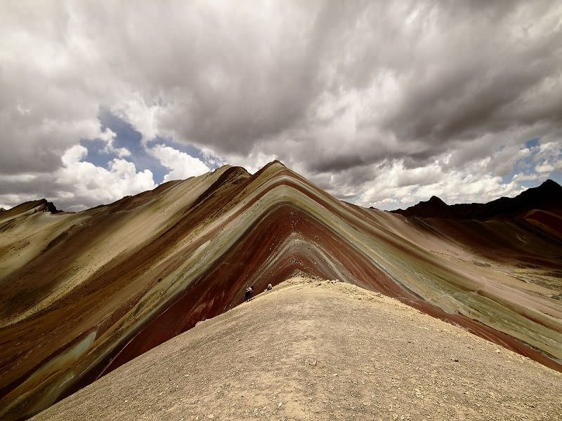 """800 x600andean lodges336 - Apu Ausangate or """"Mountain of Seven Colors"""" viral video"""