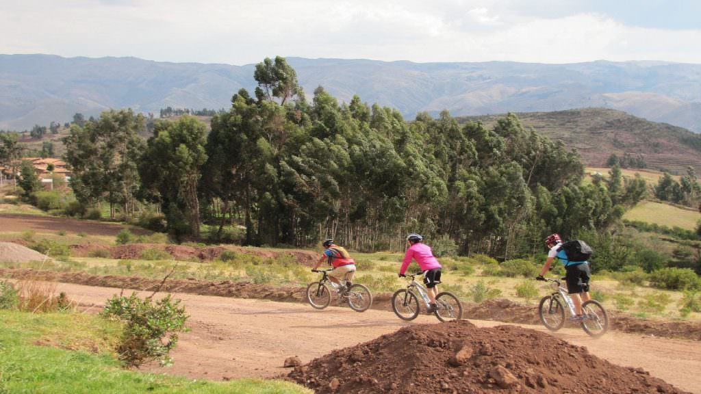 FEATURED BEST MOUNTAIN BIKE CUSCO HD 1 1024x576 - HIKE CHINCHERO TO URQUILLO HD