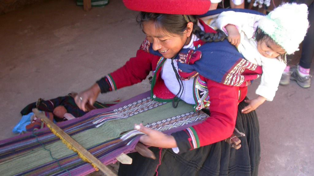 FEATURED THE LAND OF WEAVERS FULL DAY 1024x576 - GASTRONOMY AND CULTURE